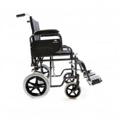 Carrozzina pieghevole da passeggio o transito con ruote piccole braccioli e pedane estraibili
