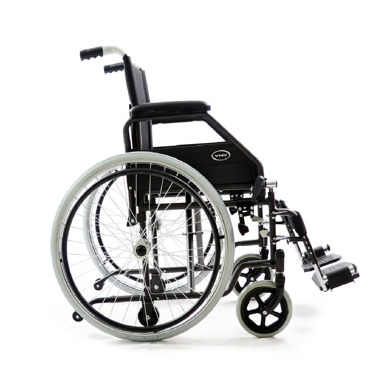 sedia a rotelle pieghevole con ruote smontabili o ...